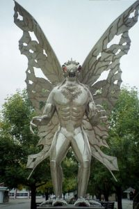 Mothman_statue_2005